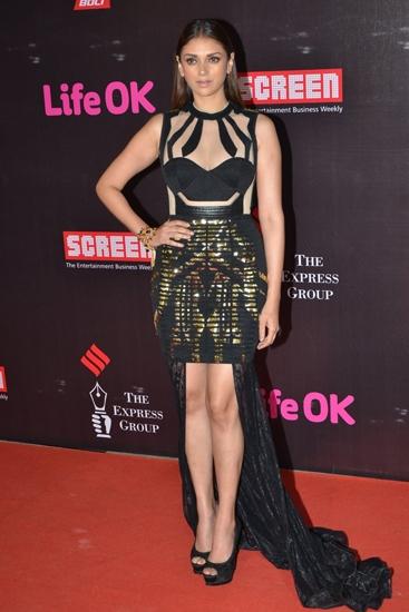 Aditi-Rao-Hydari-in-Falguni-And-Shane-Peacock-Screen-Awards-2015