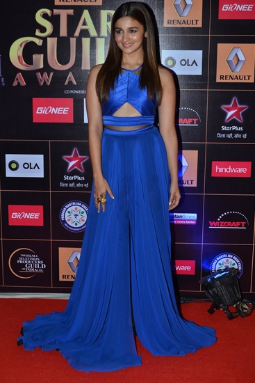 AliaBhatt_StarGuildAwards2015(1)